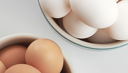 White eggs, brown eggs